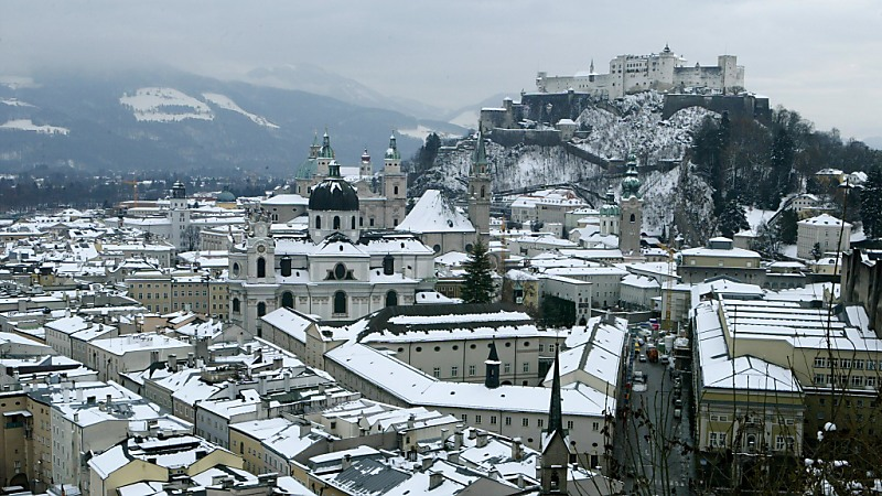 Horizontal/HORIZONTAL/CITY/NEIGHBOURHOOD/GENERAL VIEW/ILLUSTRATION/WINTER/SNOW/FORTRESS